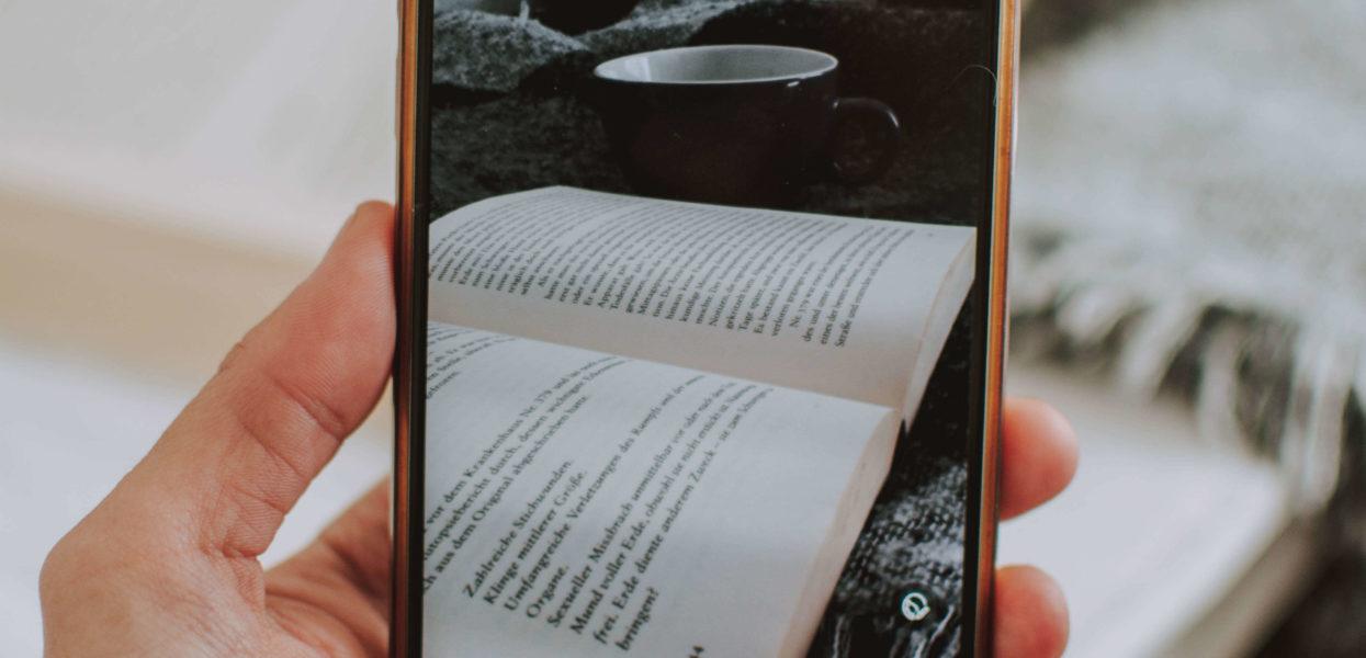 Markedsfør din bog med en boganmeldelse og en bogtrailer